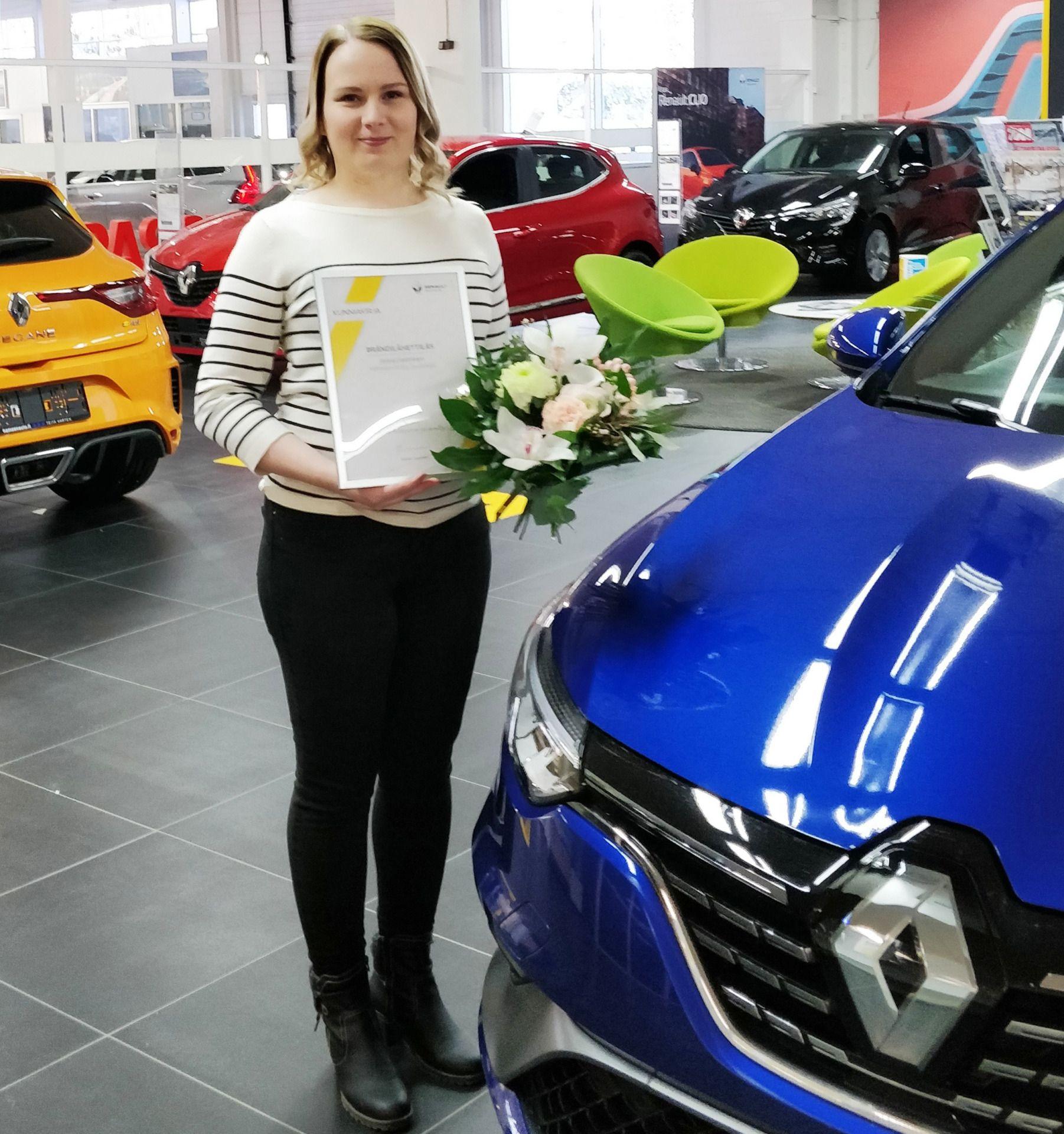 Jonna Helminen Renault myyjä brändilähettiläs