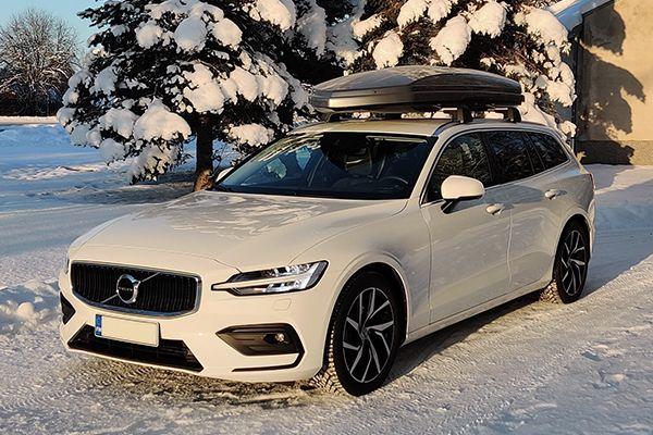 Volvo taakkatelineet ja kattolaatikko nyt vain 1000€.